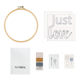 Kit de Broderie - Just Love - 22 cm