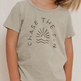 T-Shirt Basic - Chase the Sun Grün Rylee + Cru