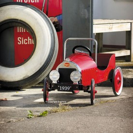 Red Classic Pedal Car Red Baghera