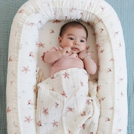Baby nest with lining - Windflower Cream Pink Cam Cam Copenhagen