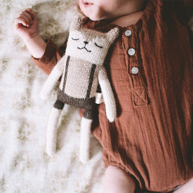 Fawn Soft Toy - Overalls Beige Main Sauvage