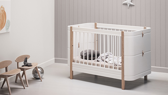 Lit bébé évolutif WOOD MINI+ de Oliver Furniture