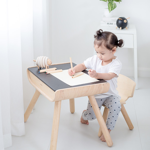 Little table and chairs - Plantoys